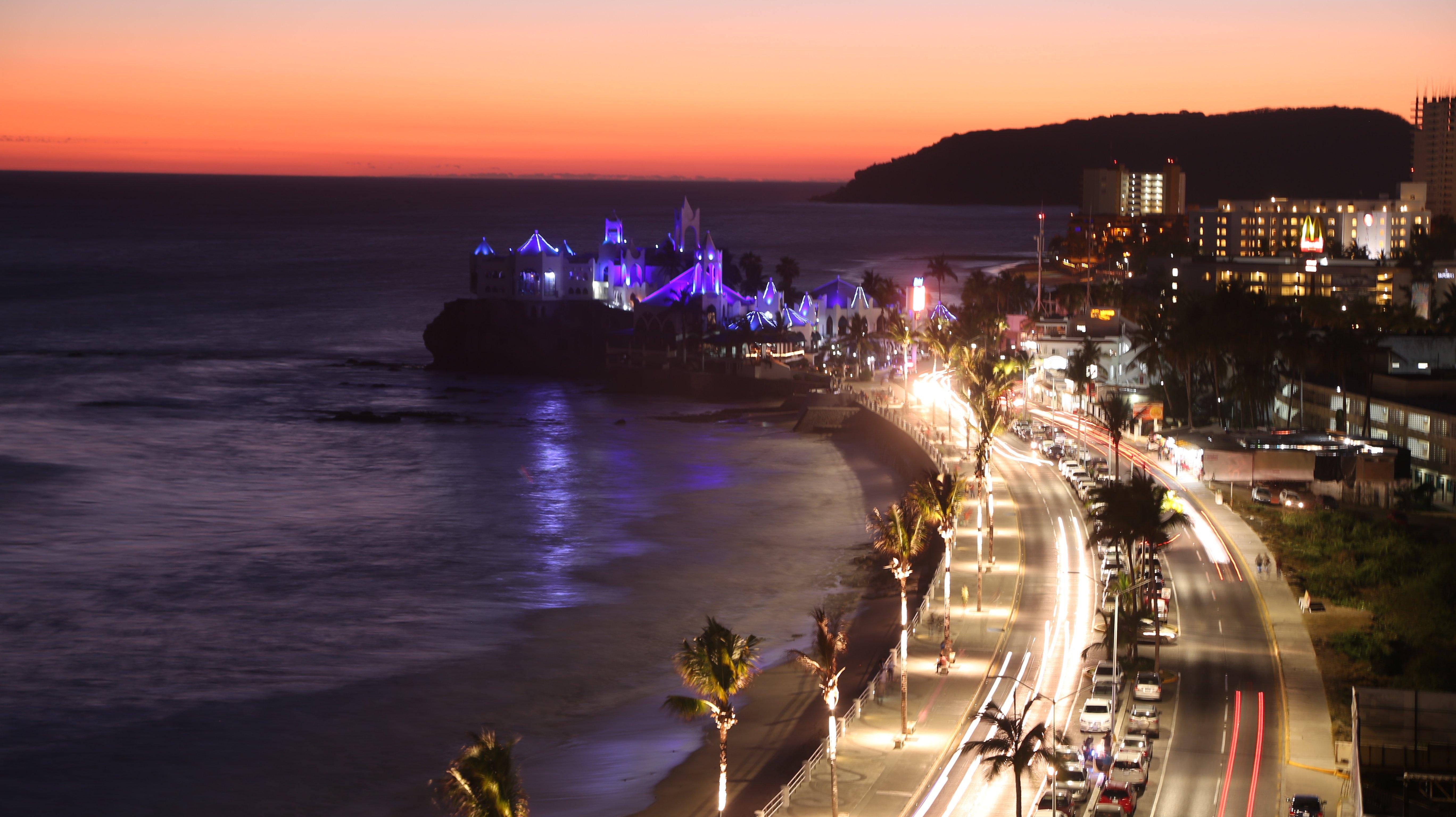 Noticias de mazatlan noticias mazatl n for Como se llama el hotel que esta debajo del mar